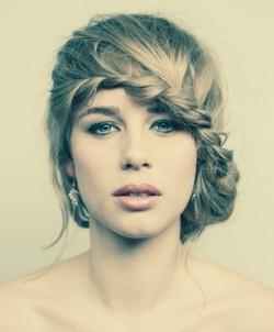 Bowl plait hairdo and natural makeup