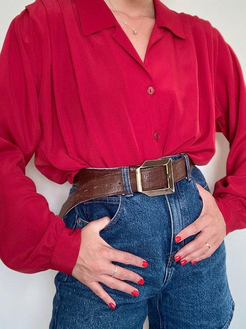 חולצת מאט אדומה עם גומי