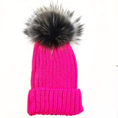 7e88351ff2b Hot pink knit hat with detachable fur Pom Pom.