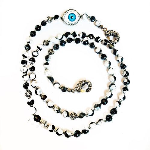Black & White Agate Mask Necklace