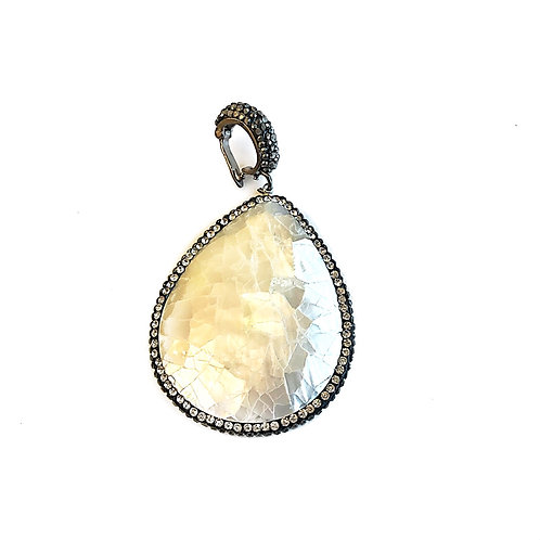 Interchangeable Crackled Pearlized Pendant