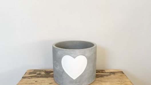 White Heart Cement Pot, 11cm