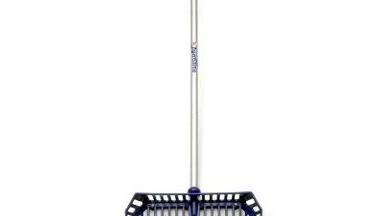 FynaLite Xlite Shavings Fork Long Aluminium Handle with Shaker Cage 137 cm