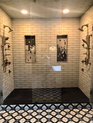Allegra bathroom 4.JPG