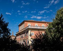 Il palazzo di fronte.jpg