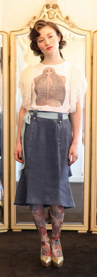 Opera lacy top・White D'Estrees skirt