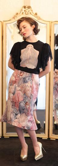 Opera lacy top・Black D'Estrees skirt・Epicure gourmet