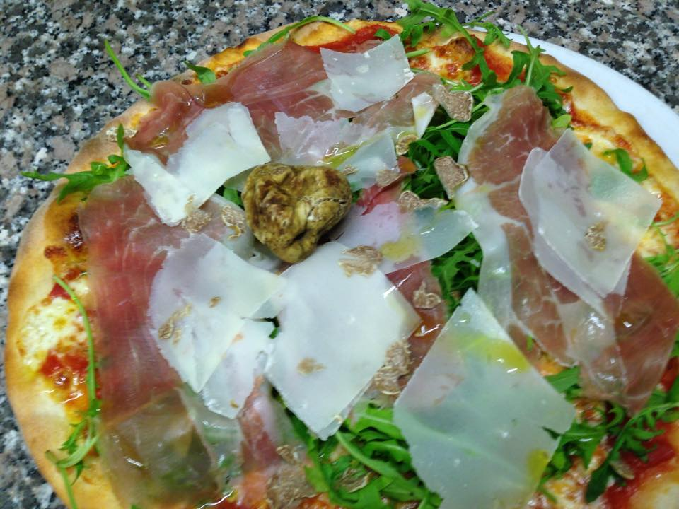 Pizza tartufata