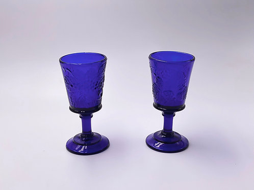 Vintage 'Strawberry & Currant' Wine Glass in 'Cobalt'