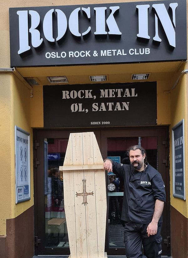 rockin_outside.jpg