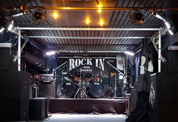 Rockinstage.jpg
