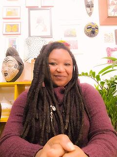 Naiara Paula Eugenio - Escritora e Filós