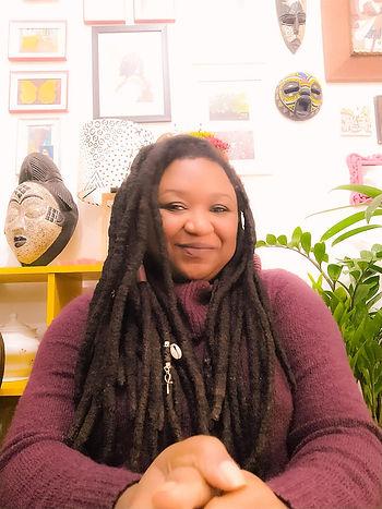 Naiara Paula Eugenio - Escritora e Filósofa da Arte