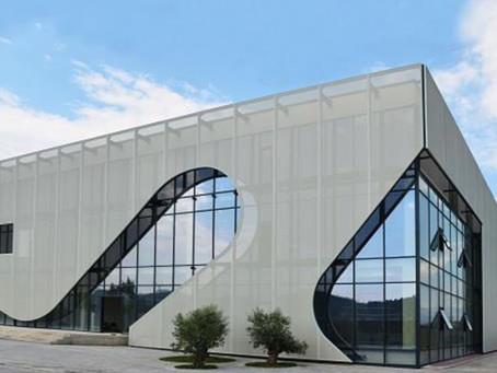 Shaping the fabric mesh facade
