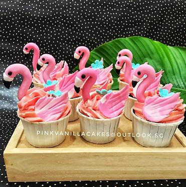 Flamingos Cupcakes.jpg