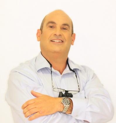 מייק בלום, מומחה לאורתודונטיה
