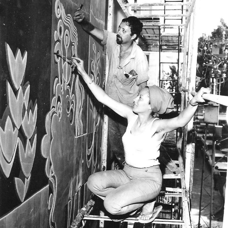 ממעבדת המחקר: סְגְרָפִיטוֹ — ציורי קיר מונומנטליים על חזיתות מבני ציבור בישראל