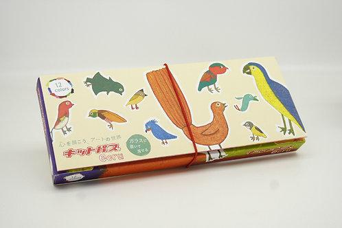 Boîte de 12 craies Kitpas dans un étui décoré par des artistes japonais