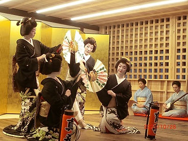 芸者衆踊り.jpg