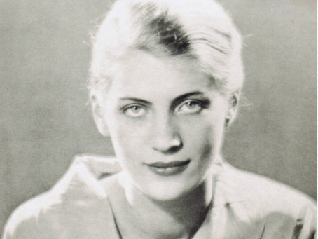 THE WEEKLY MUSE - Lee Miller: American Photographer