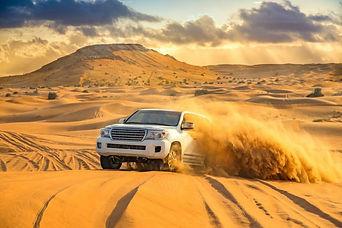 Desert-Safari-Dune-Bashing-Tour-4WD-on-s