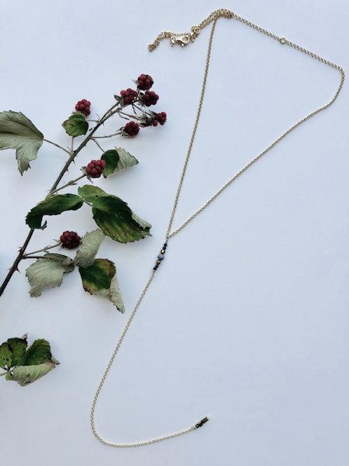 Collana rosario con pietre grigie