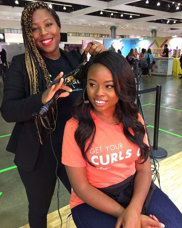 Making magic happen at the _sheamoisture booth _beautycon LA #sheamoisture #beautyconla #losangeles_