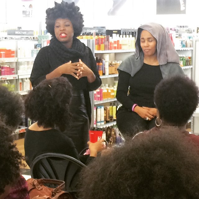 Presenting styling techniques to a group of women with all different types of  #texturedhair _The ke