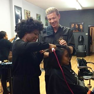 Sharing our signature blow dry and flat iron techniques on #texturedhair with _bumbleandbumble netwo