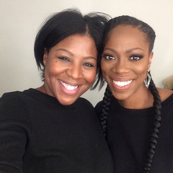 HEYYY! All smiles with _insecurehbo super funny and sweet #actress _yvonneorji aka Molly #behindthes