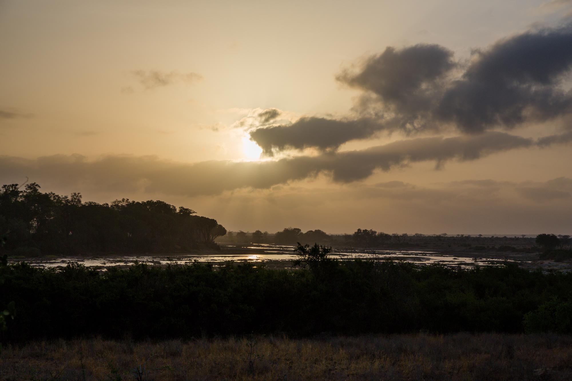 Ráno v Tsavo East National Park