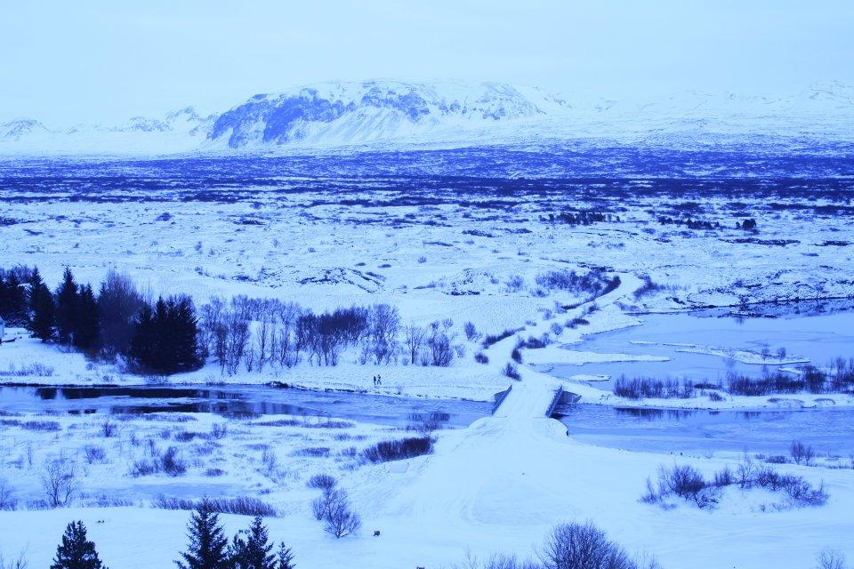 Mid-Atlantic ridge valley, IS