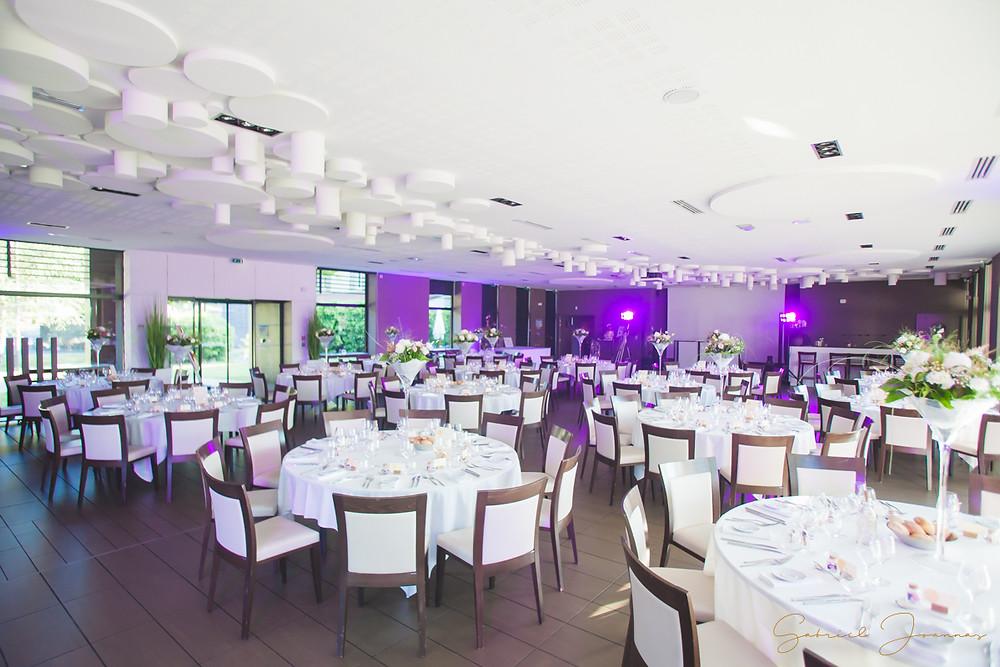 Salle de réception mariage à la Charpinière ( Saint Galmier )