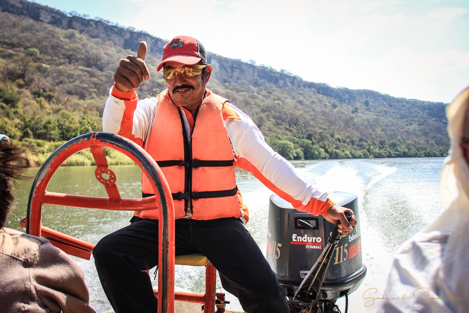 Ramon notre chauffeur de barque