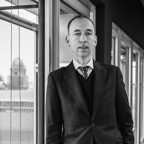 Prof. Dr. med. Dr. jur. Thomas Ufer, Rechtsanwalt und Arzt, Fachanwalt für Medizinrecht