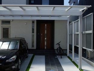 スマートデザイン+無垢床の家