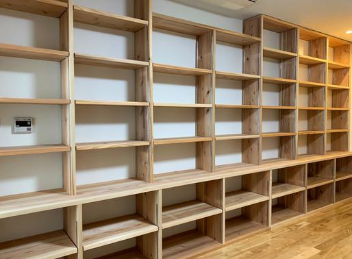 1500冊。本棚。