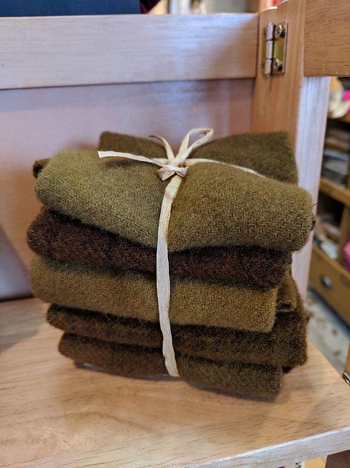 Tobacco Leaf Wool Bundle