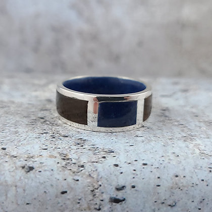 silver, lapis and rosewood rind size 11.5