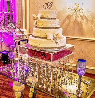 lucite clear crystal cake stand Rental