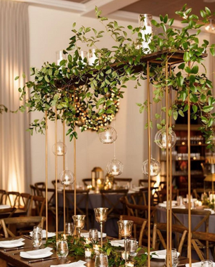 Tall Plank Hanging bubbles centerpieces