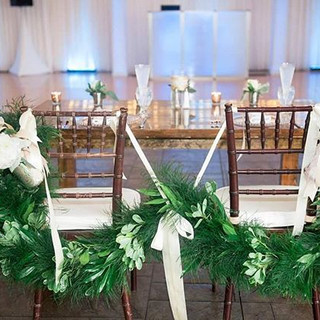 Stunning Garland at the Sweetheart Table