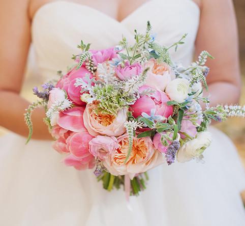 Blush ing Wedding bouquets