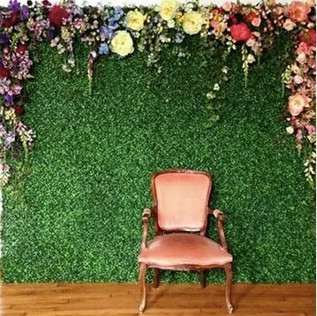 Arch style hedge wall