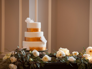 STYLED WEDDING SHOOT: A CLASSIC GOLD & WHITE WEDDING