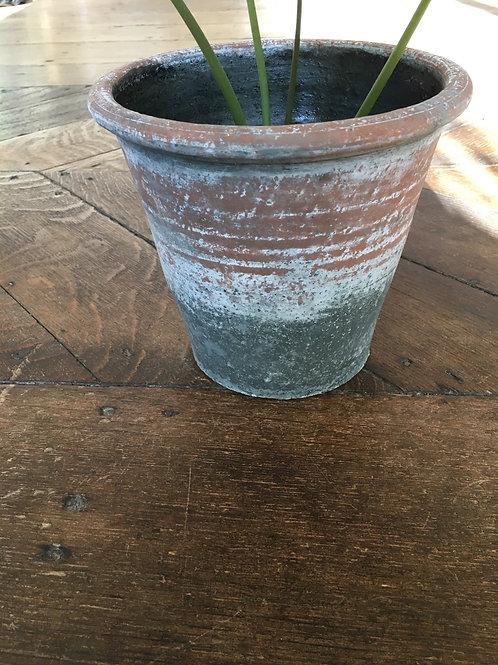 Cement pot oud groen/ rood
