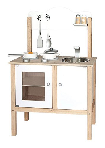 cocinita de madera, utensilios