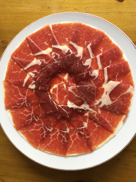 How to buy the best jamón in Spain