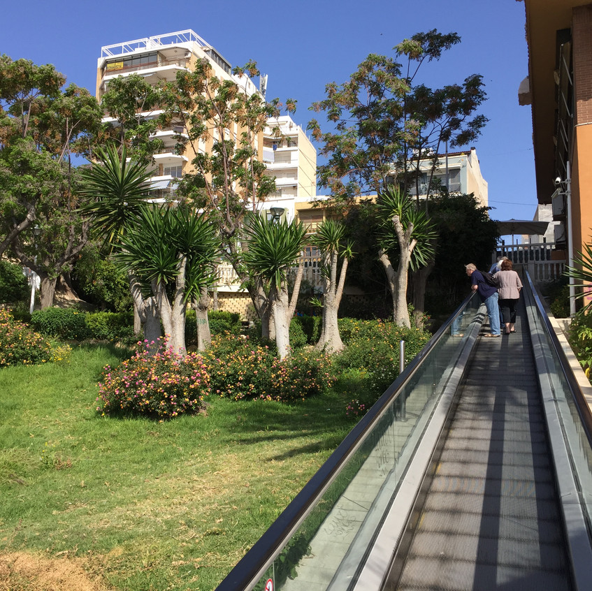 Beach escalators