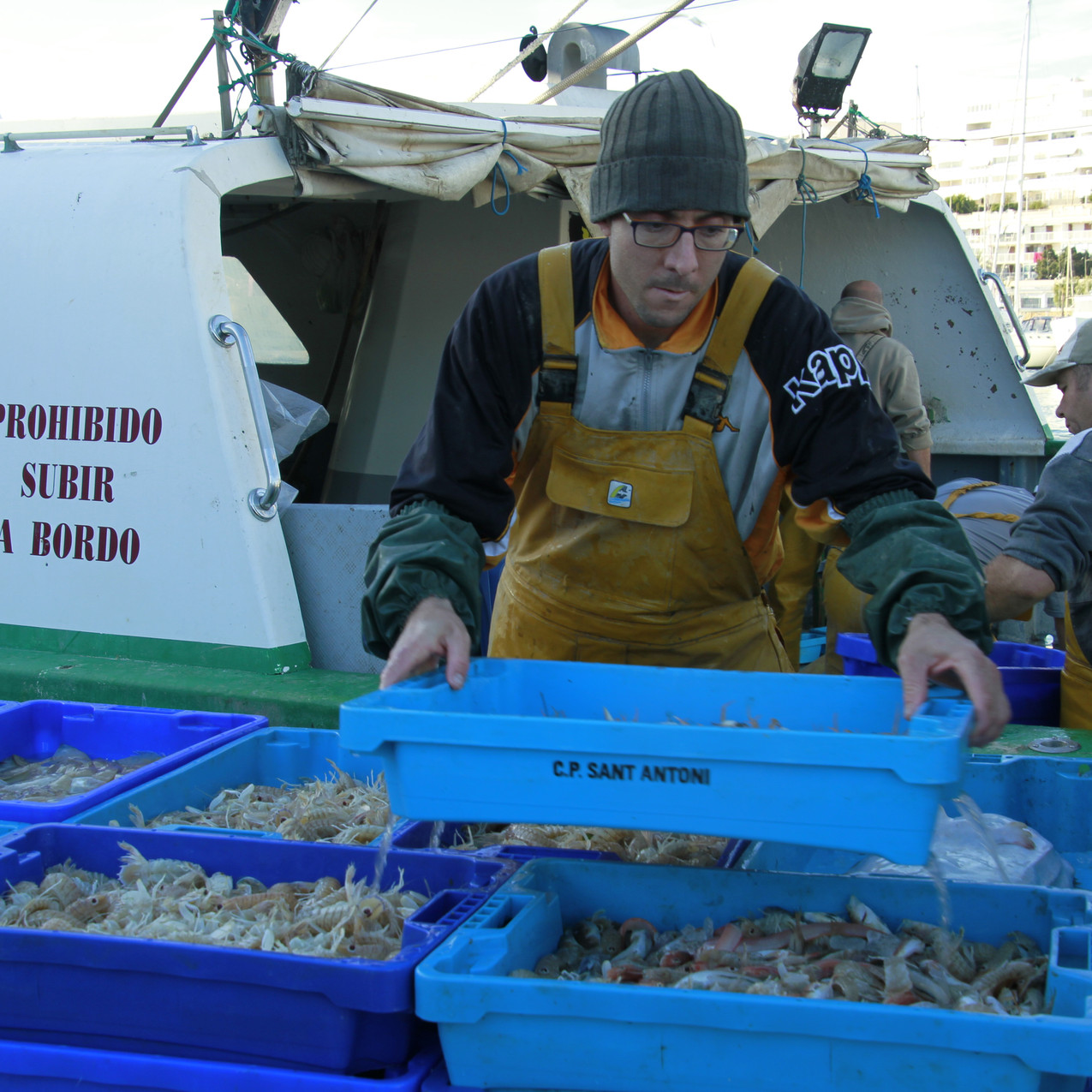Unloading the catch